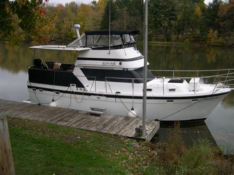 1981 Gulfstar 38  Motor Cruiser Power Boats