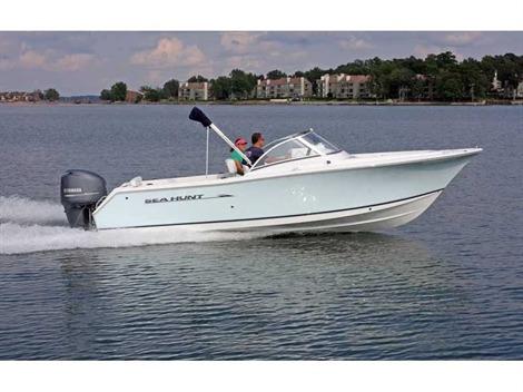 2015 Sea Hunt 21'  Escape Power Boat